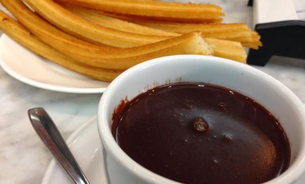 Churros con chocolate – španske krofne sa čokoladom