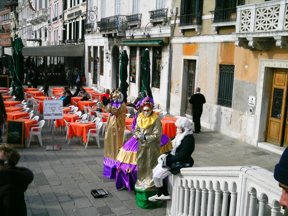 Artisti na Karnevalu u Veneciji
