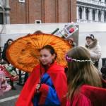 Deca na karnevalu u Veneciji
