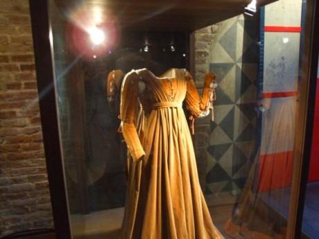 Julijina haljina