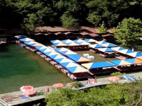Restorani na reci Dim