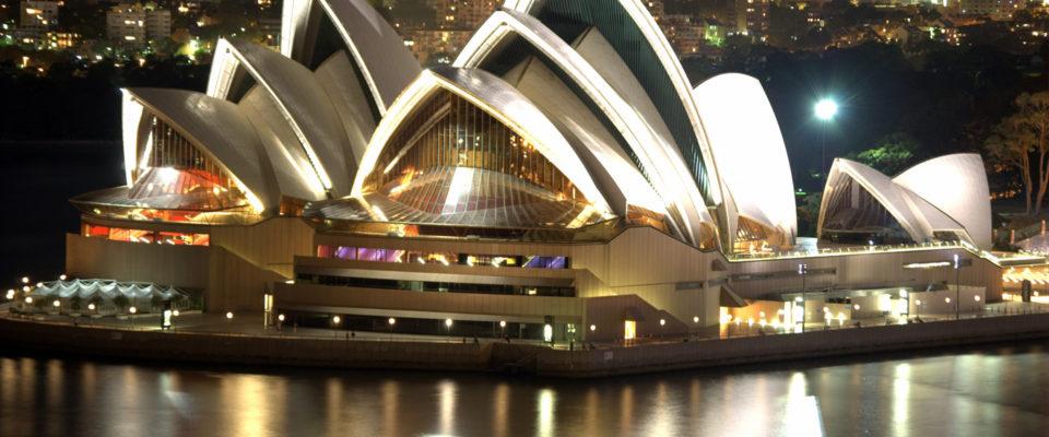 Sidnejska opera noću